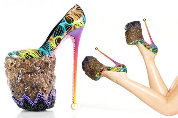 los zapatos m s terror ficos de la historia de la moda la bruja con tac n de aguja. Black Bedroom Furniture Sets. Home Design Ideas