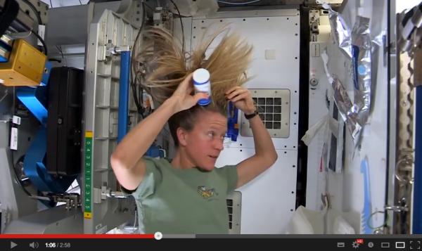 Videoblog de belleza desde el espacio