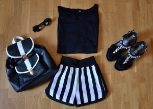 Look black white shorts Mentirosas