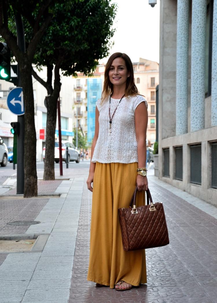 Street Style falda pantalon mostaza