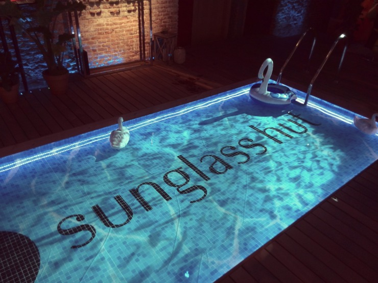 Pool party en Sunglass Hut House of Sun