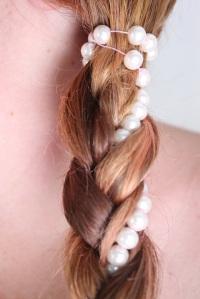 Trenza con perlas