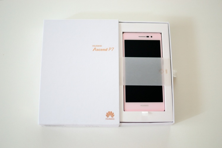 Unboxing Huawei Ascend P7 rosa