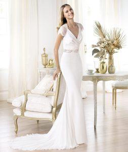 Vestido Laila Pronovias Fashion 2014 mangas de encaje y escote cruzado