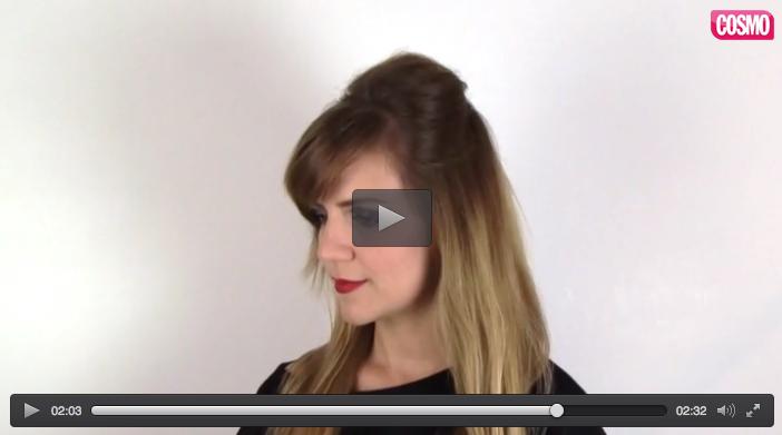 Ver en Cosmo el vídeo Cardar el pelo paso a paso