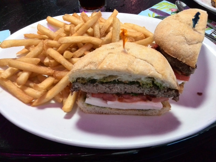 Hamburguesa con pesto en Peppermill
