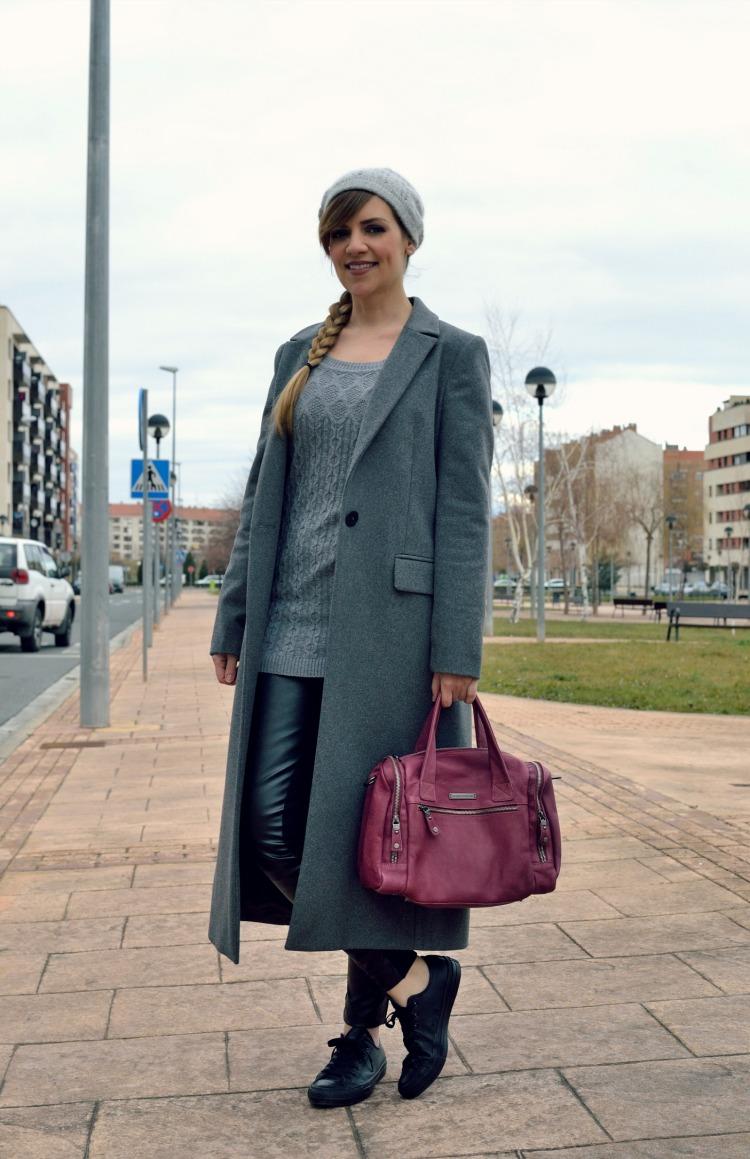 Look abrigo gris largo