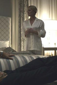 Los pijamas de Claire Underwood 04