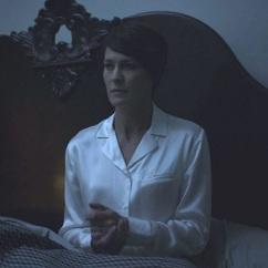 Los pijamas de Claire Underwood 02