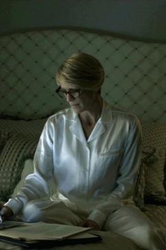 Los pijamas de Claire Underwood 01