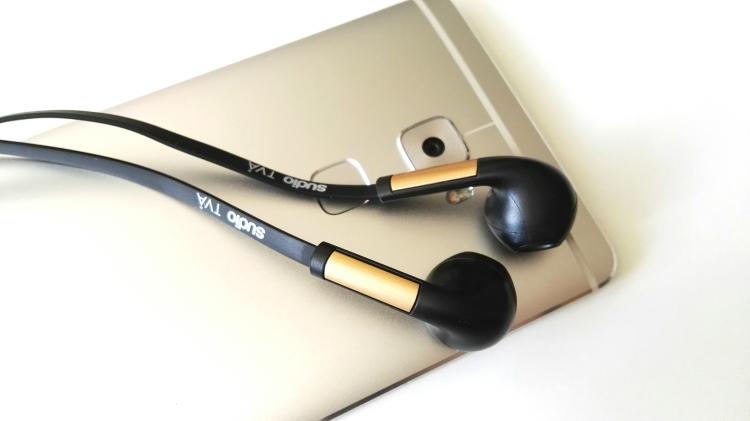 Huawei Mate S y auriculares Sudio TVA 03