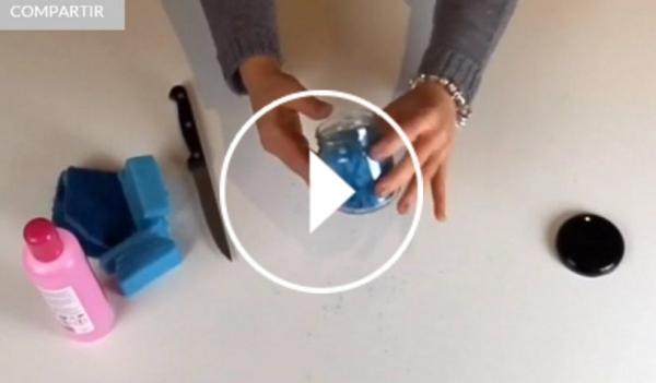 Ver vídeo DIY bote quitaesmalte en Cosmo