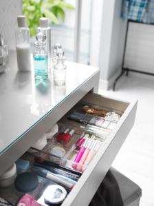Cómo ordenar tus cosméticos con accesorios de IKEA