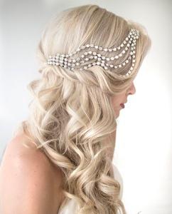 Peinados novias pelo suelto con ondas y diadema de brillantes