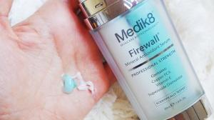 Cómo usar el serum Firewall de Medik8