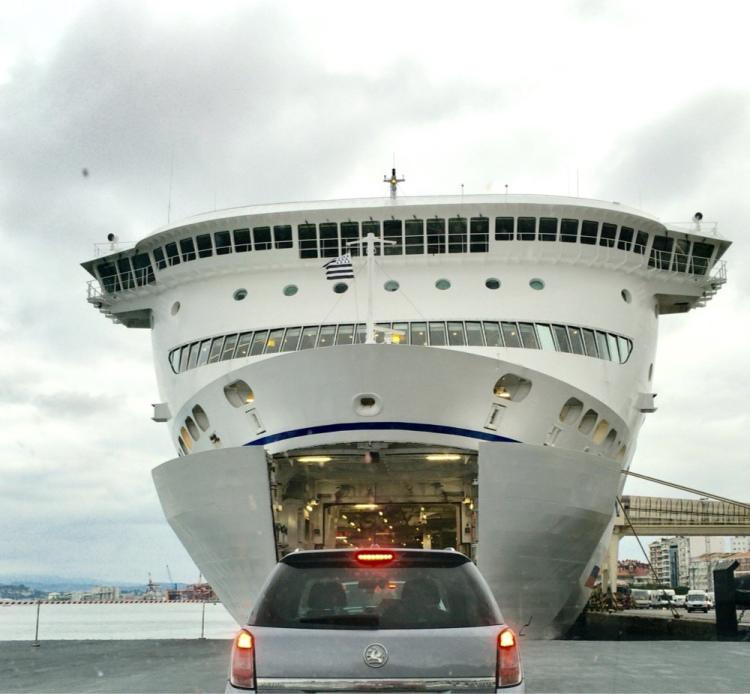 Embarcando en el Ferry a Plymouth
