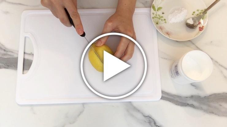 Ver en Cosmo vídeo con trucos de belleza usando bicarbonato sódico