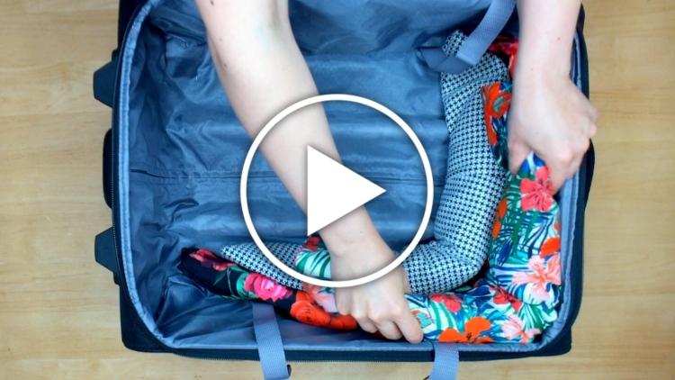 Ver en Cosmo truco para que no se arruguen los vestidos en la maleta