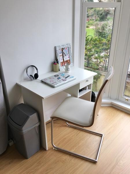 Mi escritorio minimalista