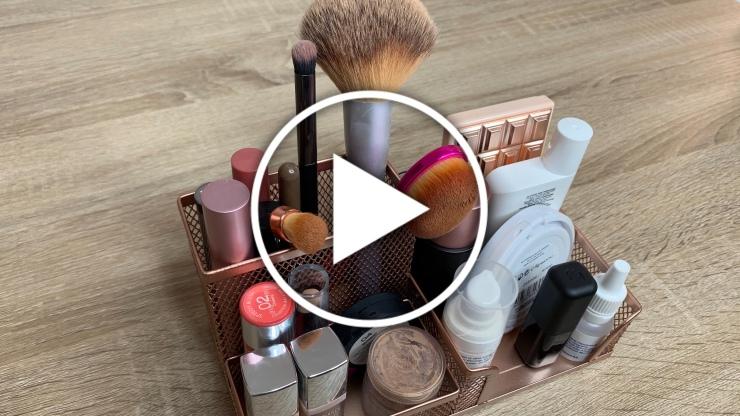 Ver en Cosmo ideas y trucos para ordenar nuestro maquillaje