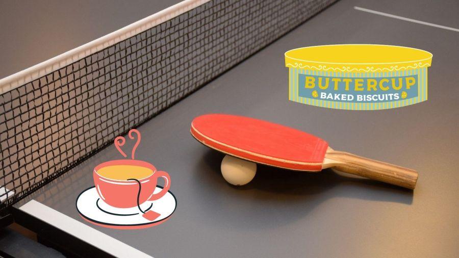 Tenis de mesa y té con pastas