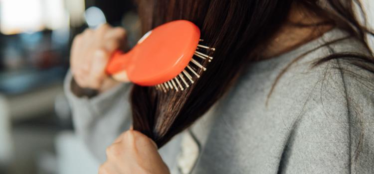 Cada cuánto tiempo hay que cambiar el cepillo del pelo